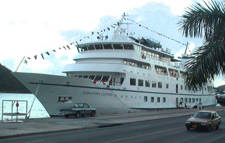 DAY - Cruise ship yorktown